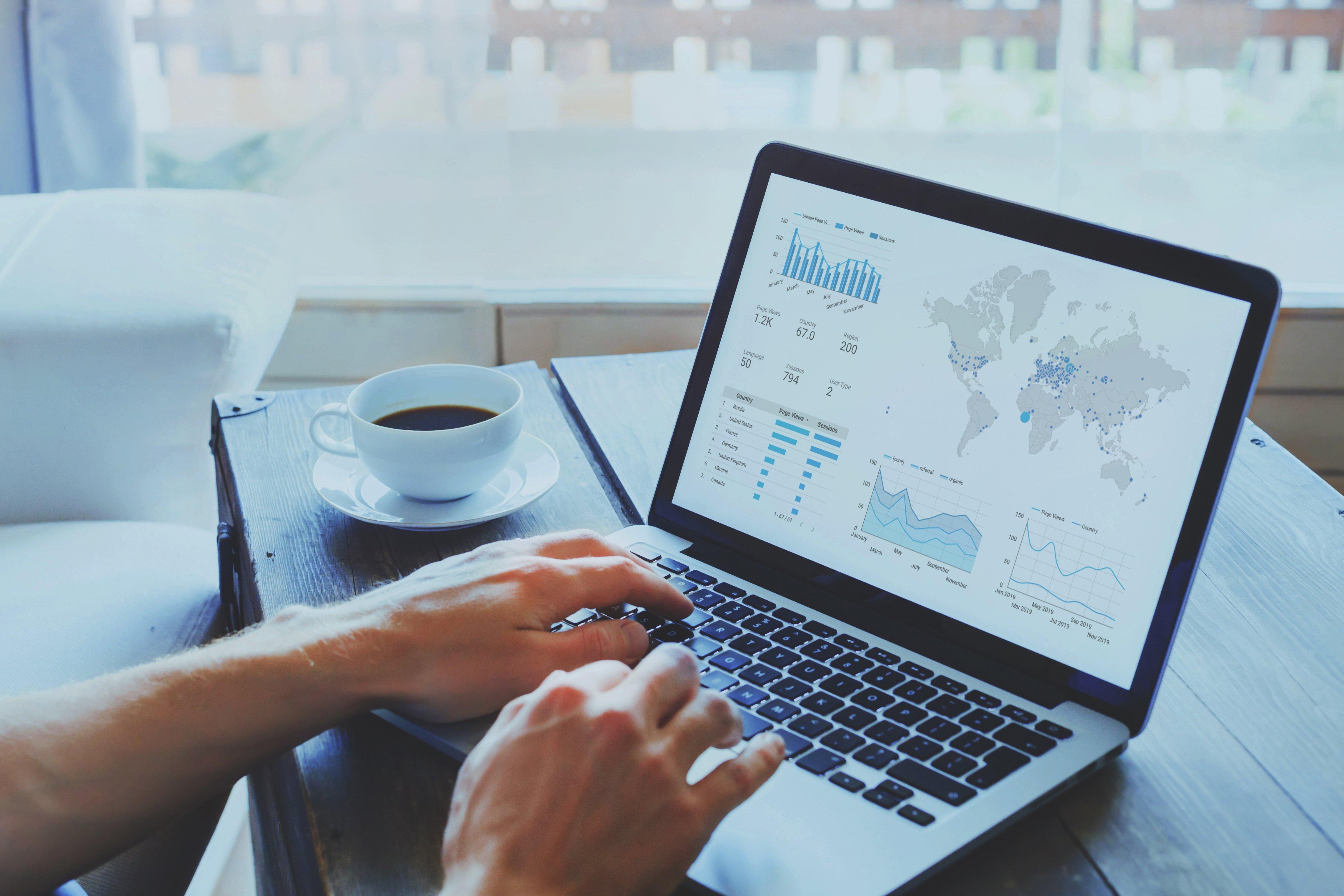 HubSpot vs Google Analytics: A Look Inside Two Top Analytics Platforms